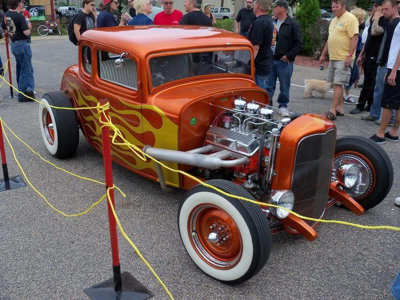 1932 Ford Coupe 5-window hot-rod