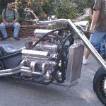 Кастомный дрэг-чоппер с надутым V8