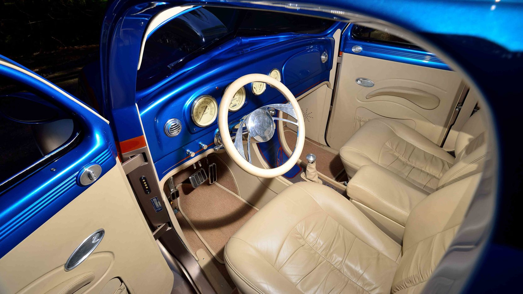 De Soto Airflow interior driver side