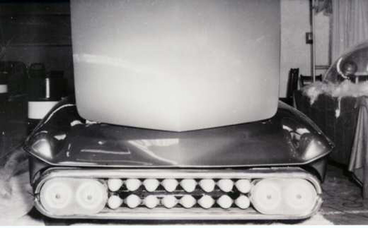 Predicta, first version photo, front