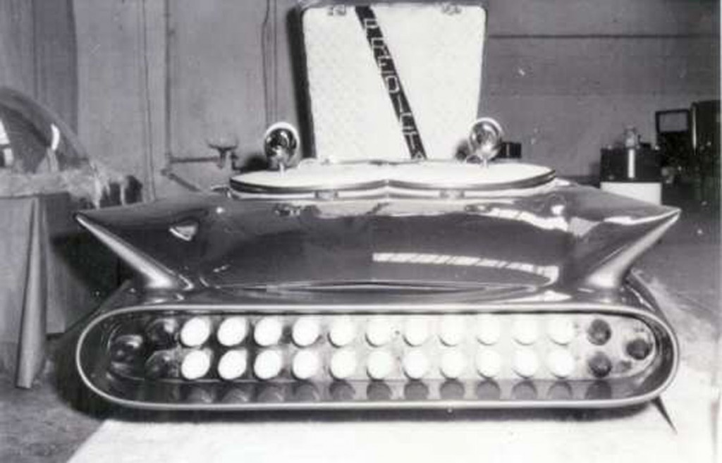 Predicta, first version photo, rear