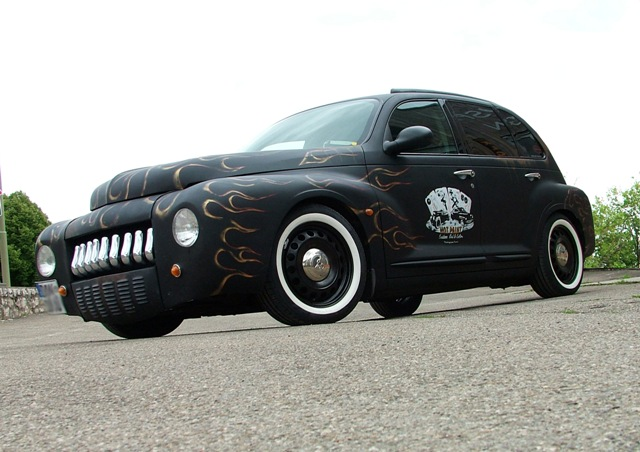 PT Cruiser custom retro restyling beauty shot 2