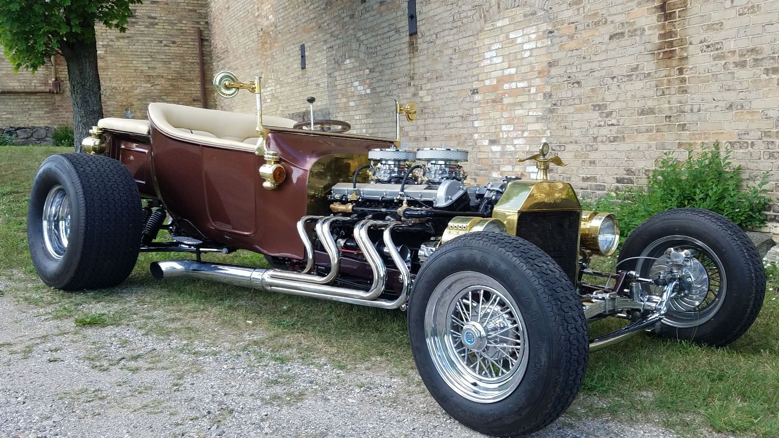 T-bucket with Jaguar V12 & Edelbrock carbs 01