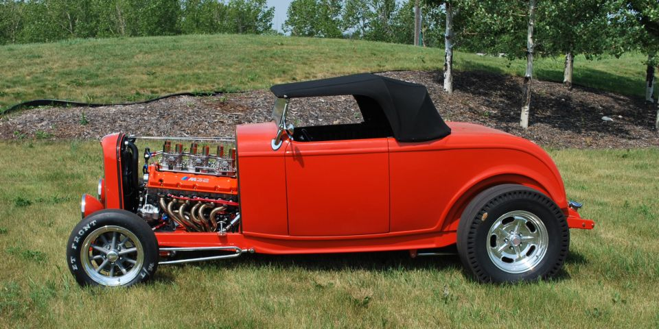 Hot-rod with BMW V12 from Canada 01