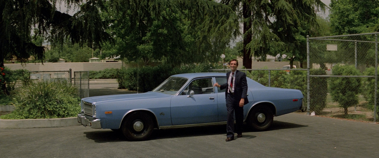 Christine, Junkins and his blue Plymouth Fury