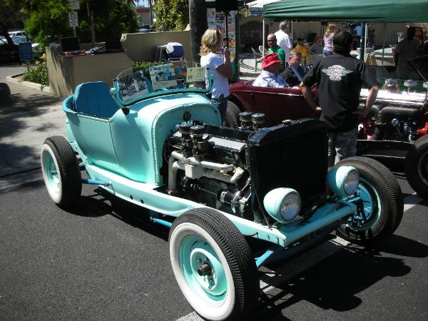 Dodge hot-rod with Cadillac V16 front quarter