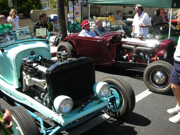 Dodge hot-rod with Cadillac V16 and Duesenberg hot-rod 01