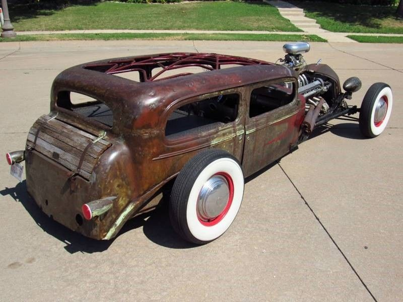 Oldsmobile rat-rod with Jaguar V12 03