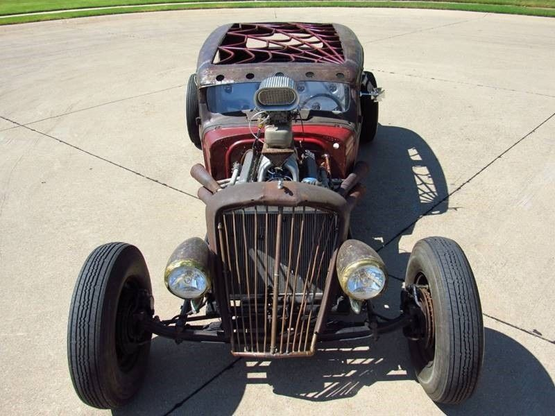 Oldsmobile rat-rod with Jaguar V12 07