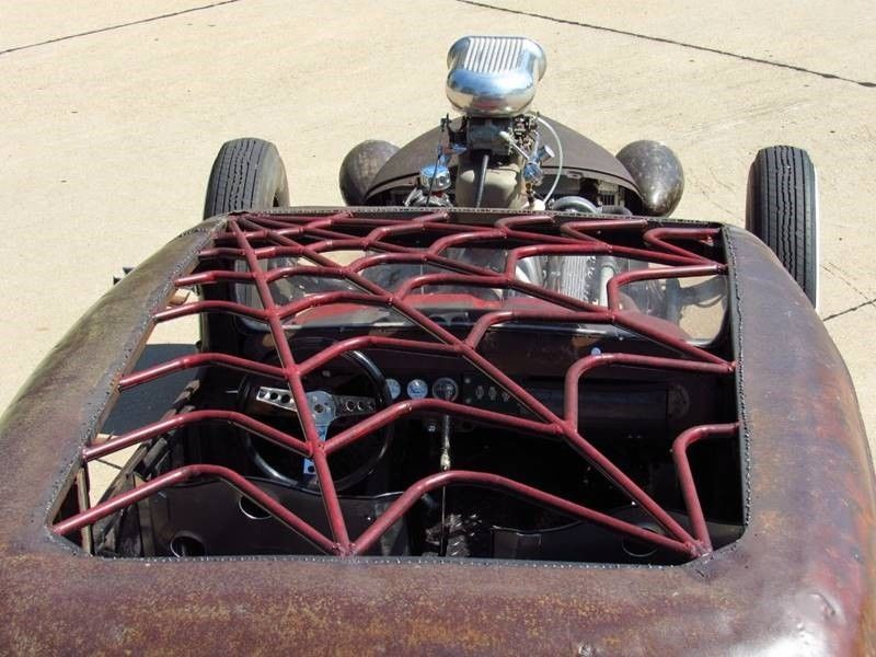 Oldsmobile rat-rod with Jaguar V12 10