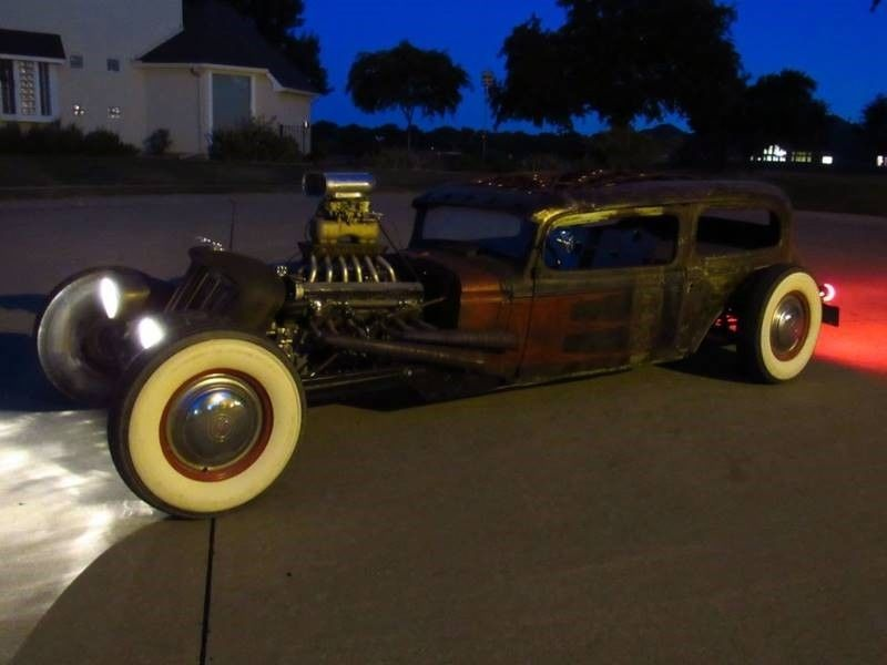 Oldsmobile rat-rod with Jaguar V12 19
