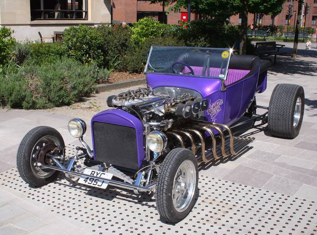 Some more Purple Pain V12 t-bucket