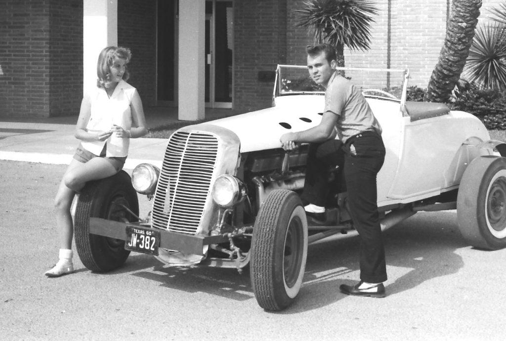 Хромированная решетка радиатора от пикапа Ford 1937