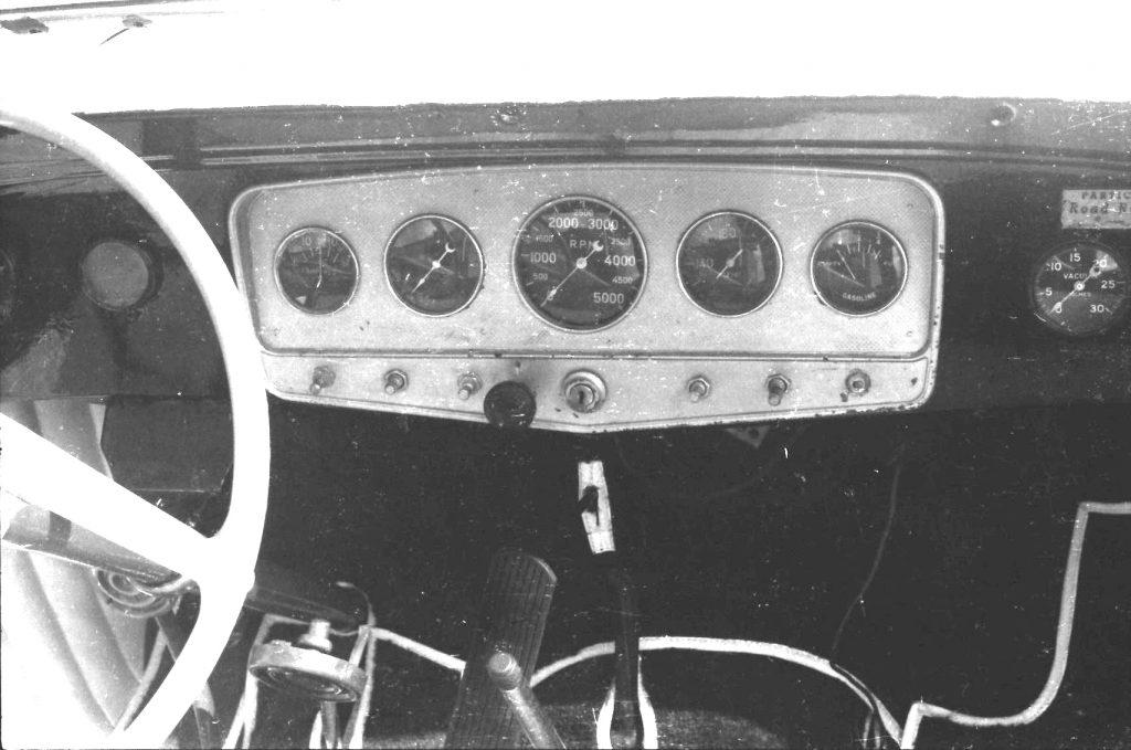 Приборная панель Ford Sweet 16 взята из Auburn