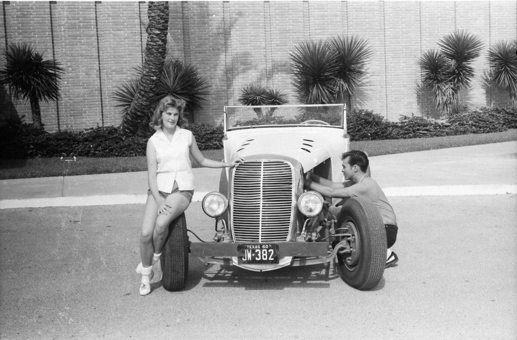 Sweet 16, старый бензобак Ford Model A был заменен на новый большего объема