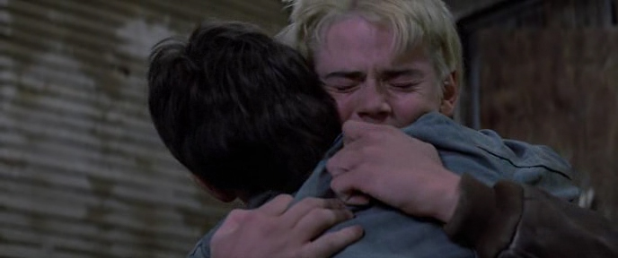 Изгои 1983, герои плачут, кадр из фильма