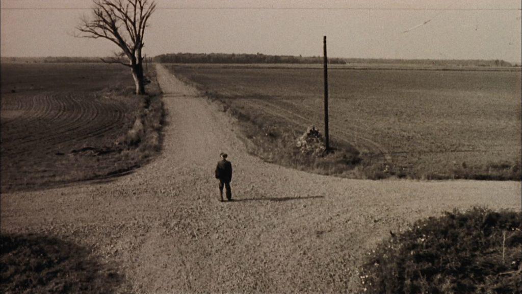 один из первых кадров  фильма Перекресток, 1986