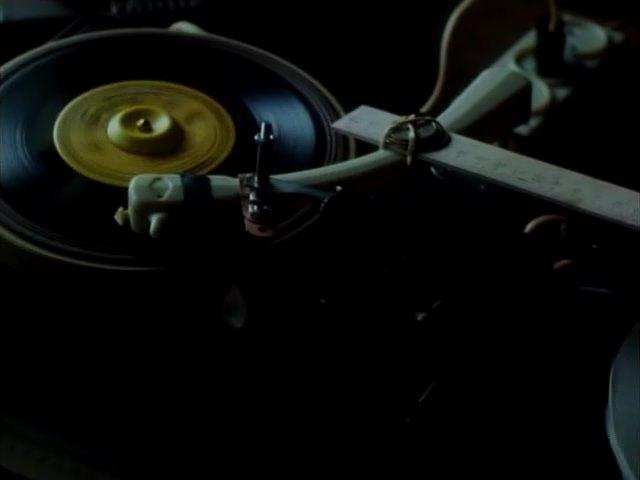 музыка на ребрах, кадр из фильма, Красная Жара, Red Hot, 1993