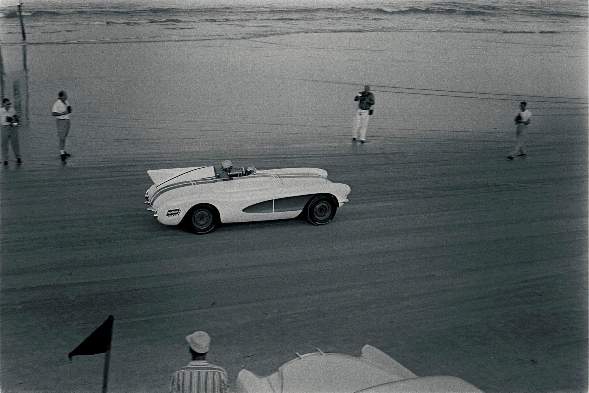 Дунтов на пляже Дайтоны в 56-ом году, старт.