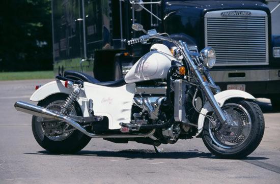 Тамб для статьи о мотоцикле Boss Hoss с двигателем V6.
