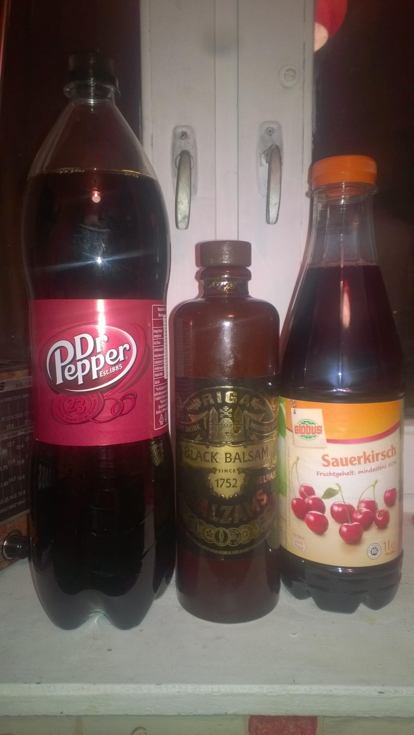 Коктейль Black Cherry Cola до приготовления.