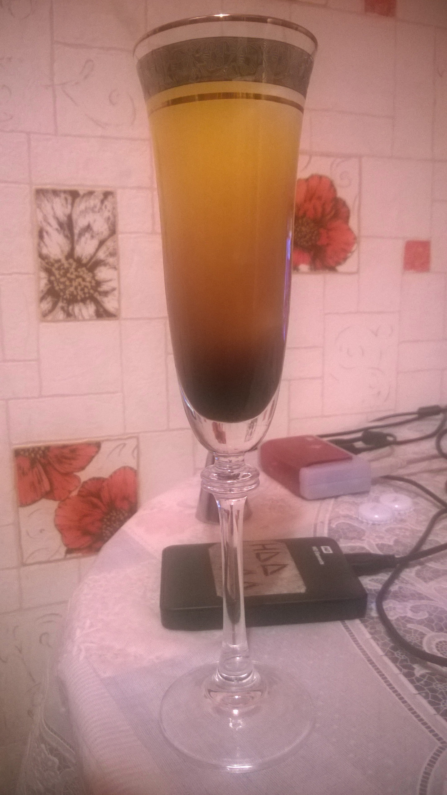 Коктейль Tequila Sunrise, готовый к употреблению, второе фото.