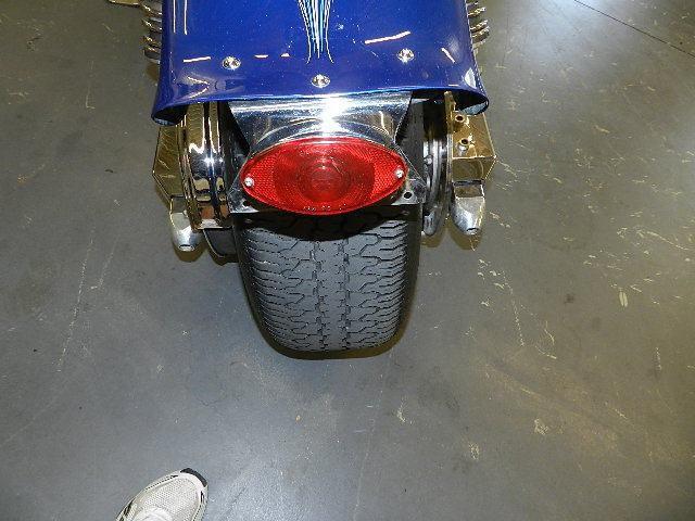 Первый мотоцикл Boss Hoss с двигателем V6, фотография 2.