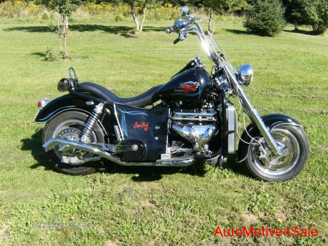 Четвёртый мотоцикл Boss Hoss с двигателем V6, фотография 1.