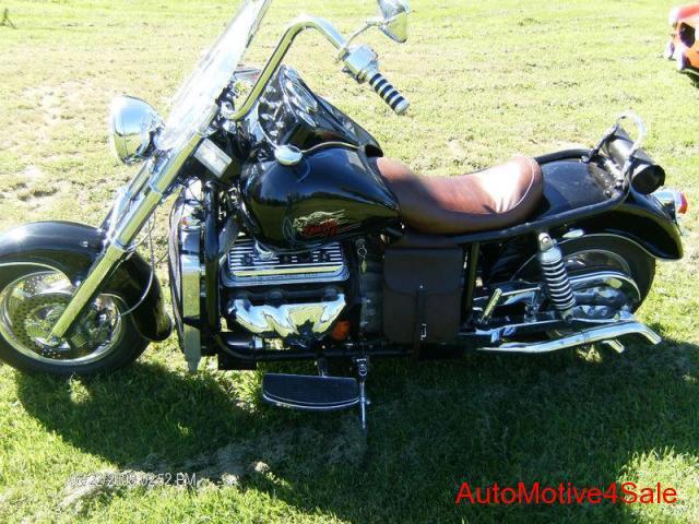 Четвёртый мотоцикл Boss Hoss с двигателем V6, фотография 2.