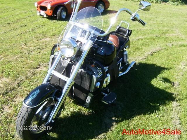Четвёртый мотоцикл Boss Hoss с двигателем V6, фотография 3.