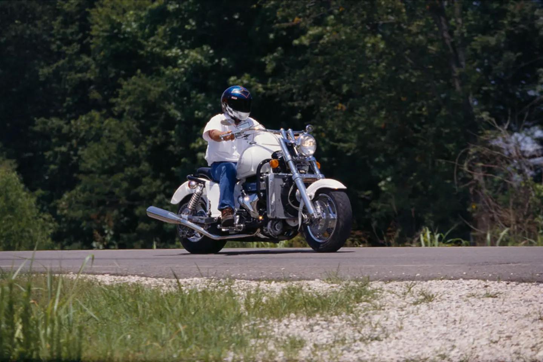 Пятый мотоцикл Boss Hoss с двигателем V6, фотография 2.