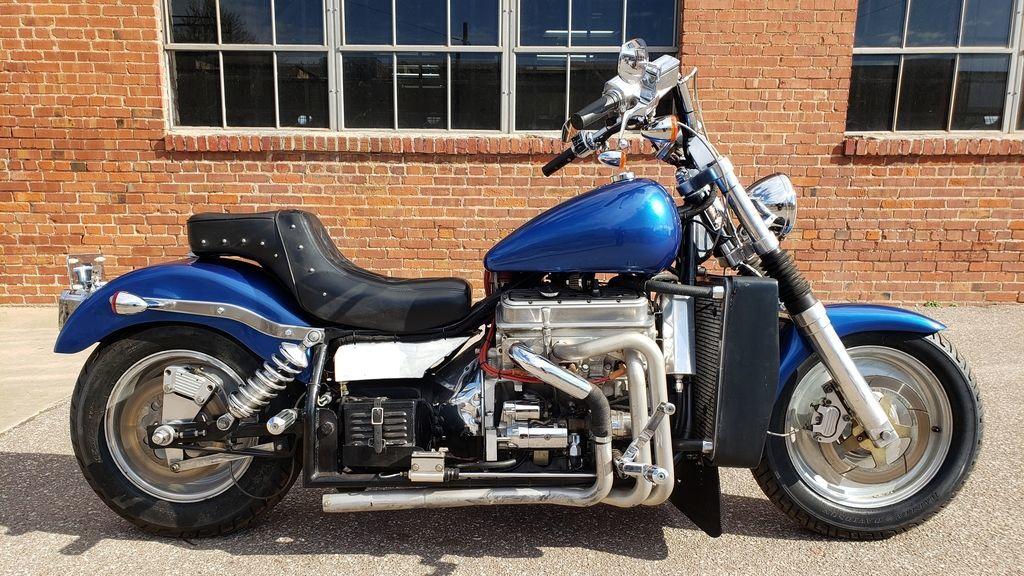 Мотоцикл Kannon с двигателем V6, фотография 1.