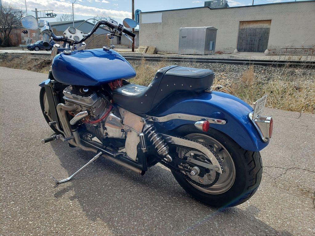 Мотоцикл Kannon с двигателем V6, фотография 4.