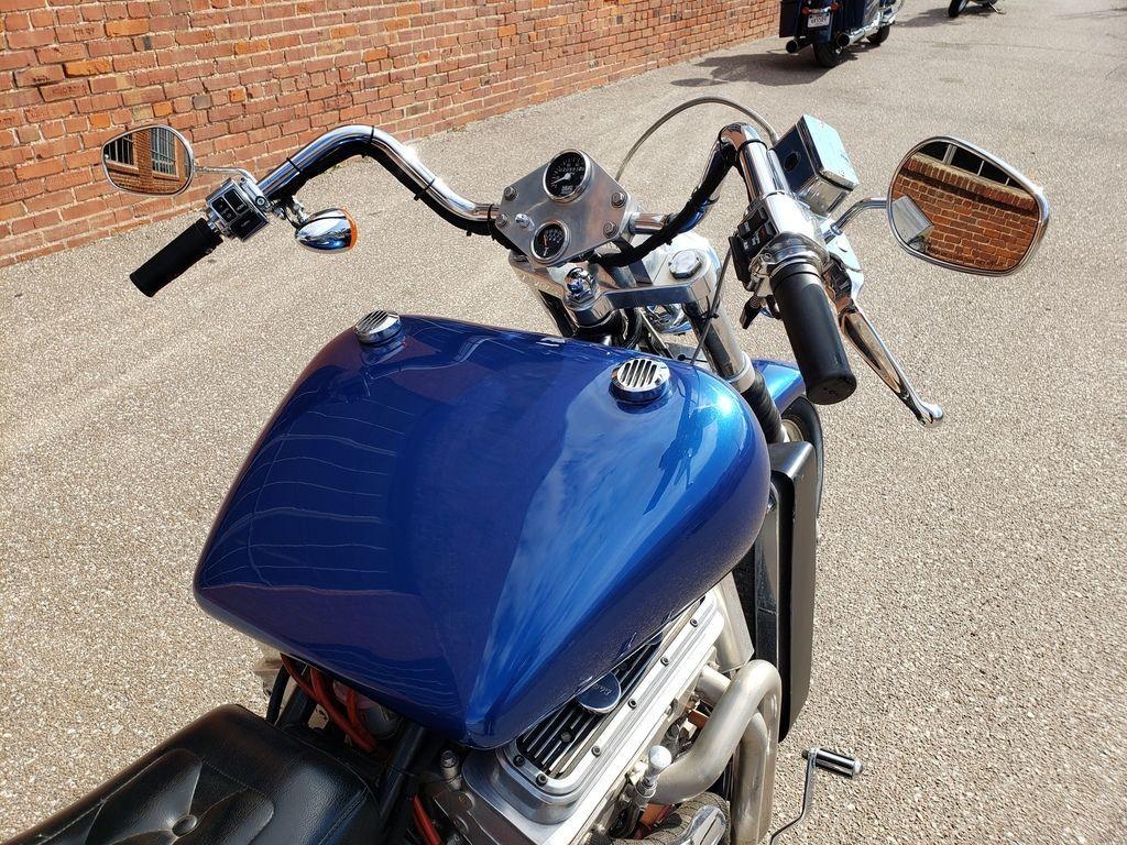 Мотоцикл Kannon с двигателем V6, фотография 6.