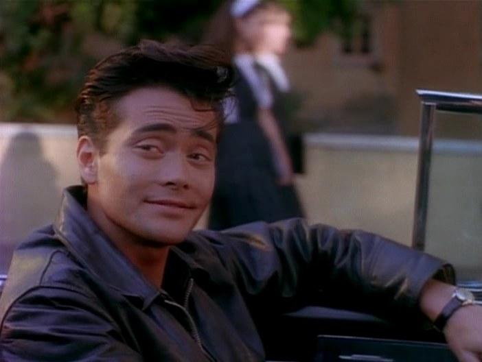 Марк Дакаскос в роли Джонни, Девушка угонщика, 1994