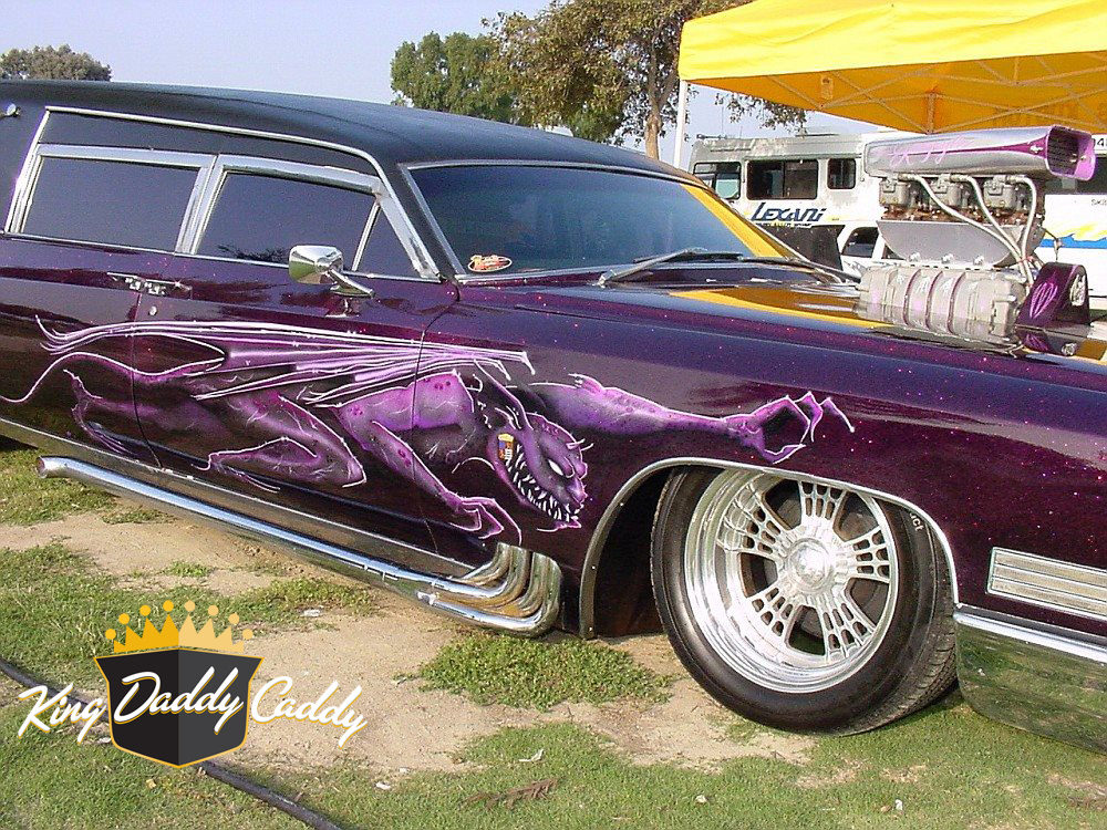 Barris' Kargoyle hearse, early (without pinstripe on the trunk) photo 03.