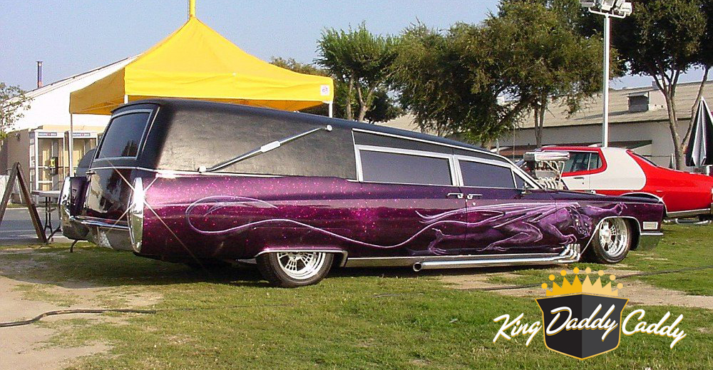 Barris' Kargoyle hearse, early (without pinstripe on the trunk) photo 05.