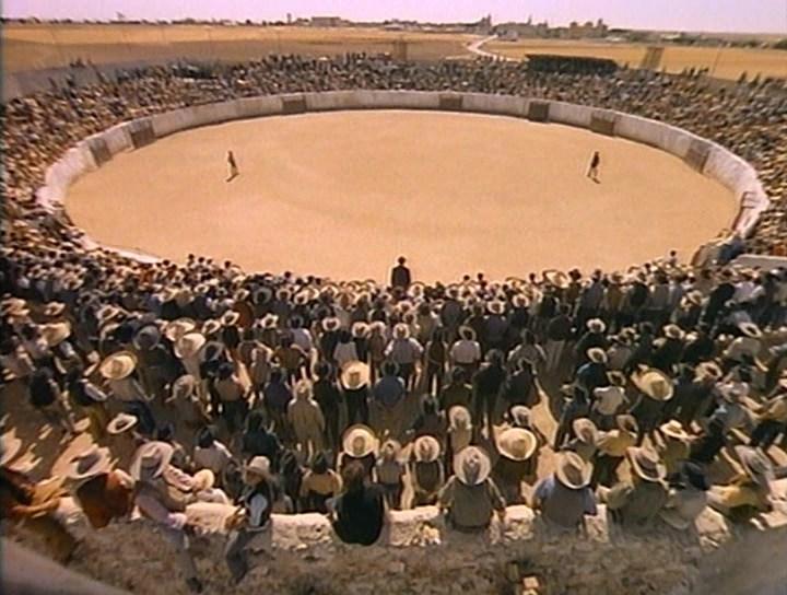 арена, Перестрелка 1971, кадр из фильма