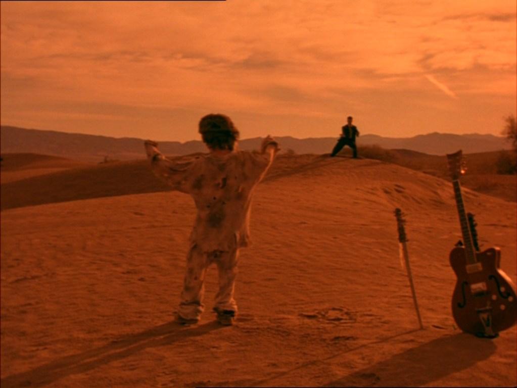 Шестиструнный самурай, закат в пустыне