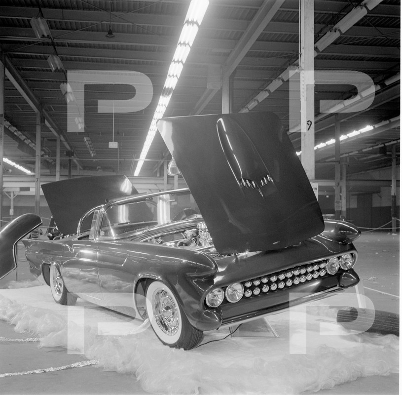 Darryl Starbird's custom Ford Thunderbird, Le Perle, HQ photo number 2 with some bad person's watermarks.