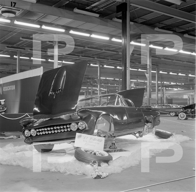 Darryl Starbird's custom Ford Thunderbird, Le Perle, HQ photo number 3 with some bad person's watermarks.