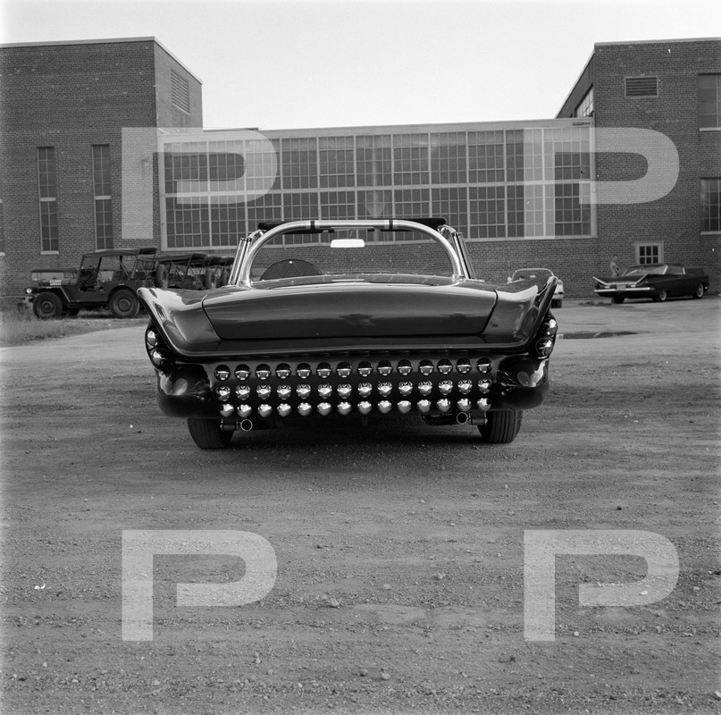Darryl Starbird's custom Ford Thunderbird, Le Perle, HQ photo number 6 with some bad person's watermarks.
