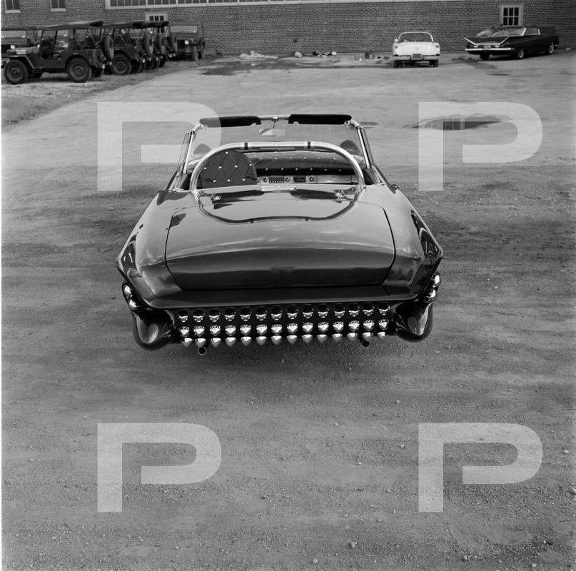 Darryl Starbird's custom Ford Thunderbird, Le Perle, HQ photo number 7 with some bad person's watermarks.