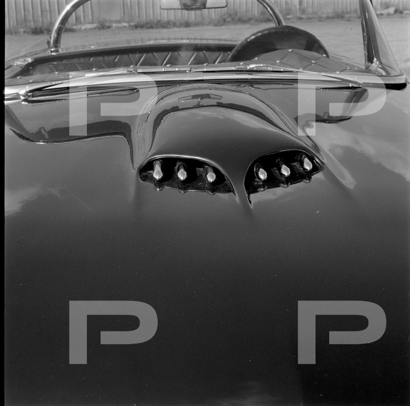 Darryl Starbird's custom Ford Thunderbird, Le Perle, HQ photo number 8 with some bad person's watermarks.