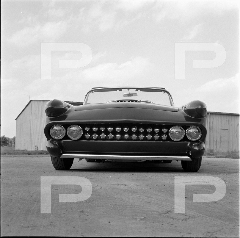 Darryl Starbird's custom Ford Thunderbird, Le Perle, HQ photo number 9 with some bad person's watermarks.