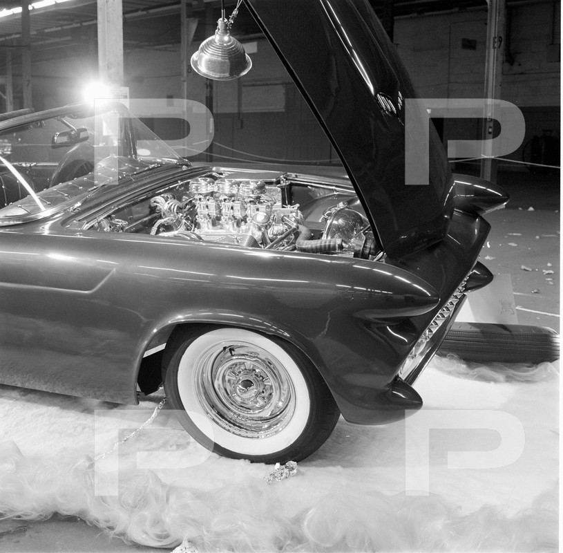 Darryl Starbird's custom Ford Thunderbird, Le Perle, HQ photo number 11 with some bad person's watermarks.