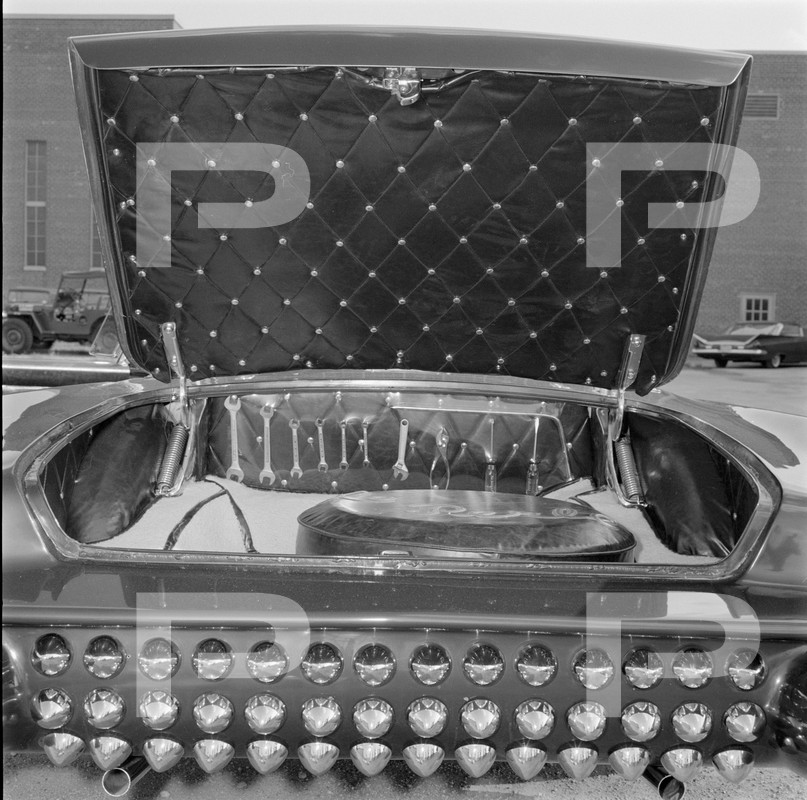Darryl Starbird's custom Ford Thunderbird, Le Perle, HQ photo number 12 with some bad person's watermarks.