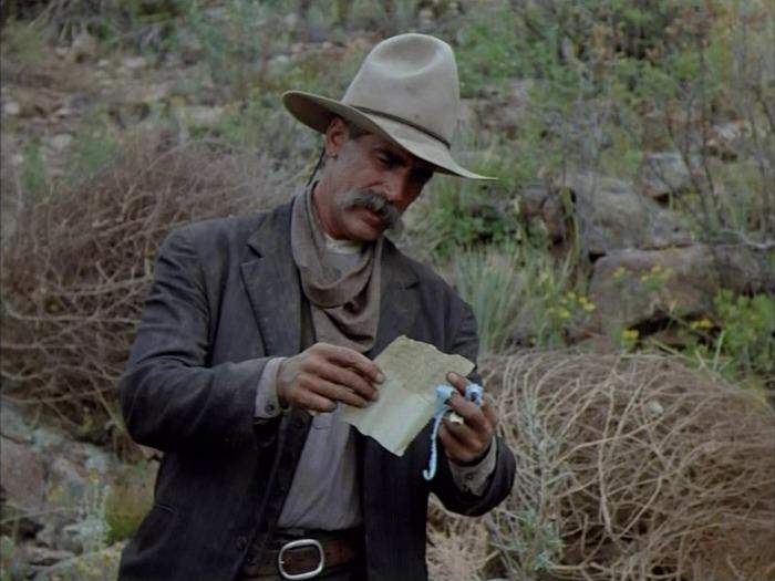 Конагер читает письма прерий, Сэм Эллиотт