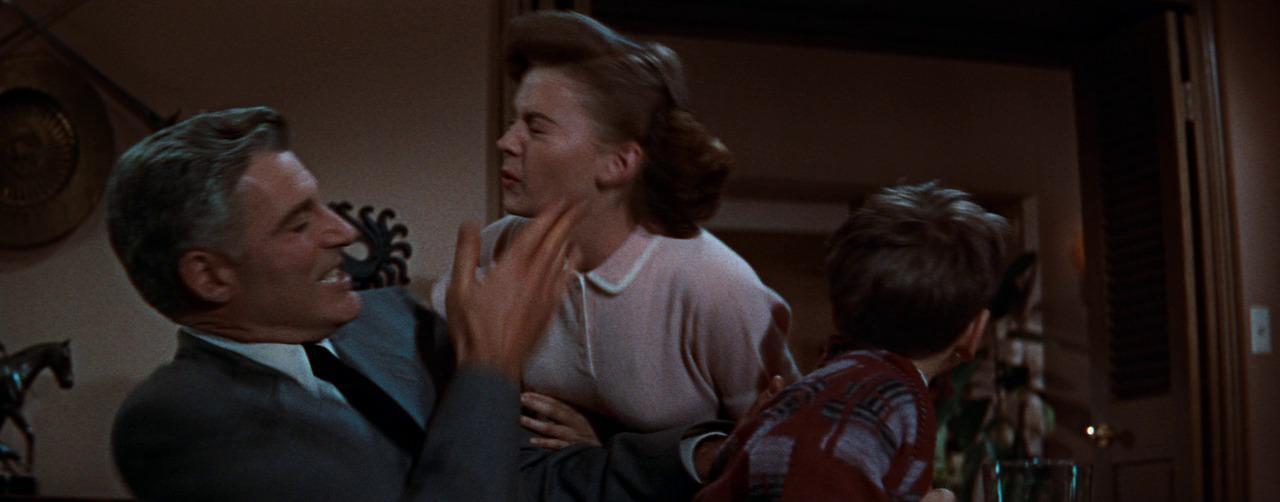 сцена с отцом, пощечина Джуди, Натали Вуд