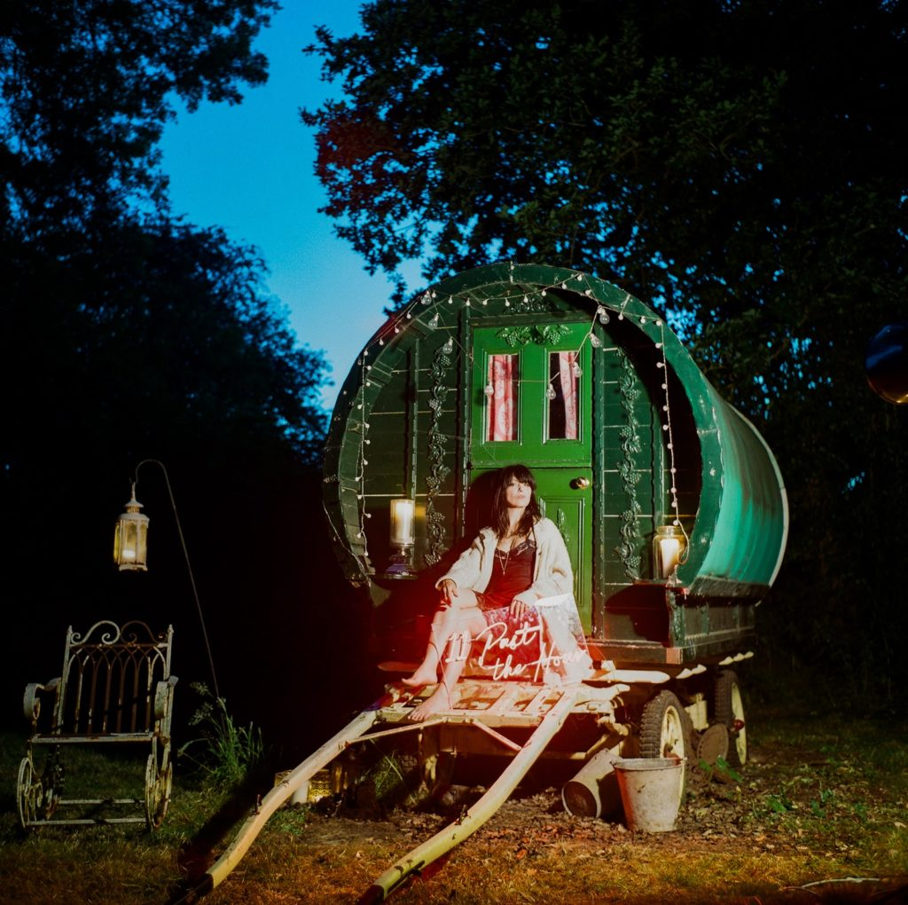 Imelda May, промо фото для альбома 11 Past The Hour, 2021